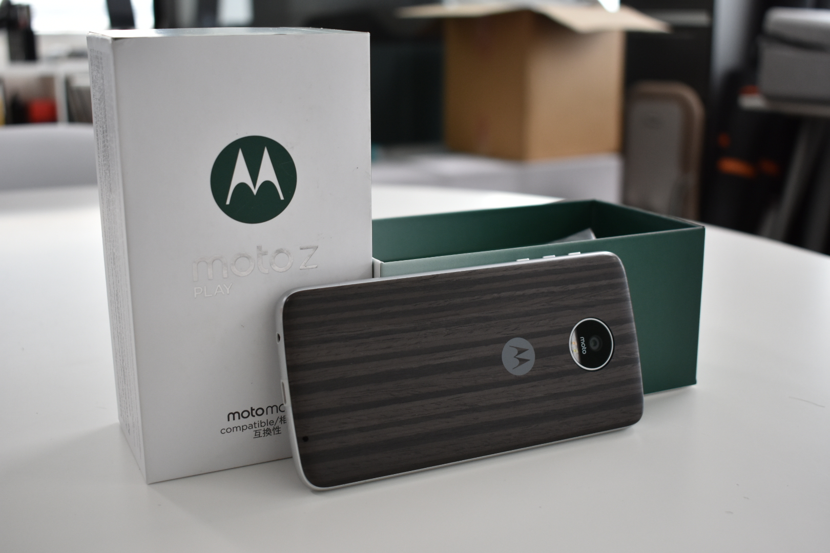 DSC 0132 Review: Moto Z Play Takes MotoMods To The Masses