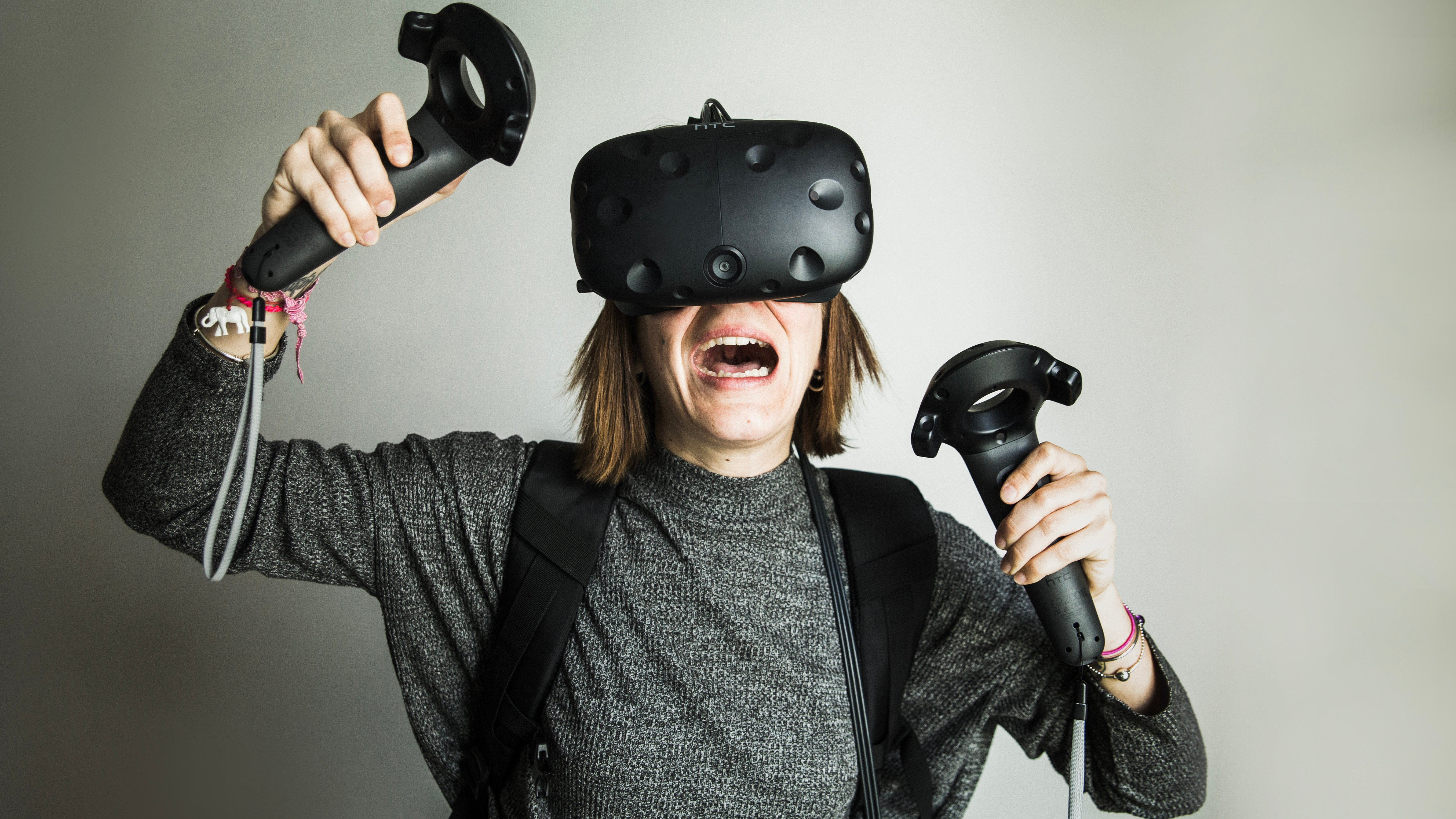AndroidPIT htc vive hands on 3586 Virtual Reality Explained: HTC Vive