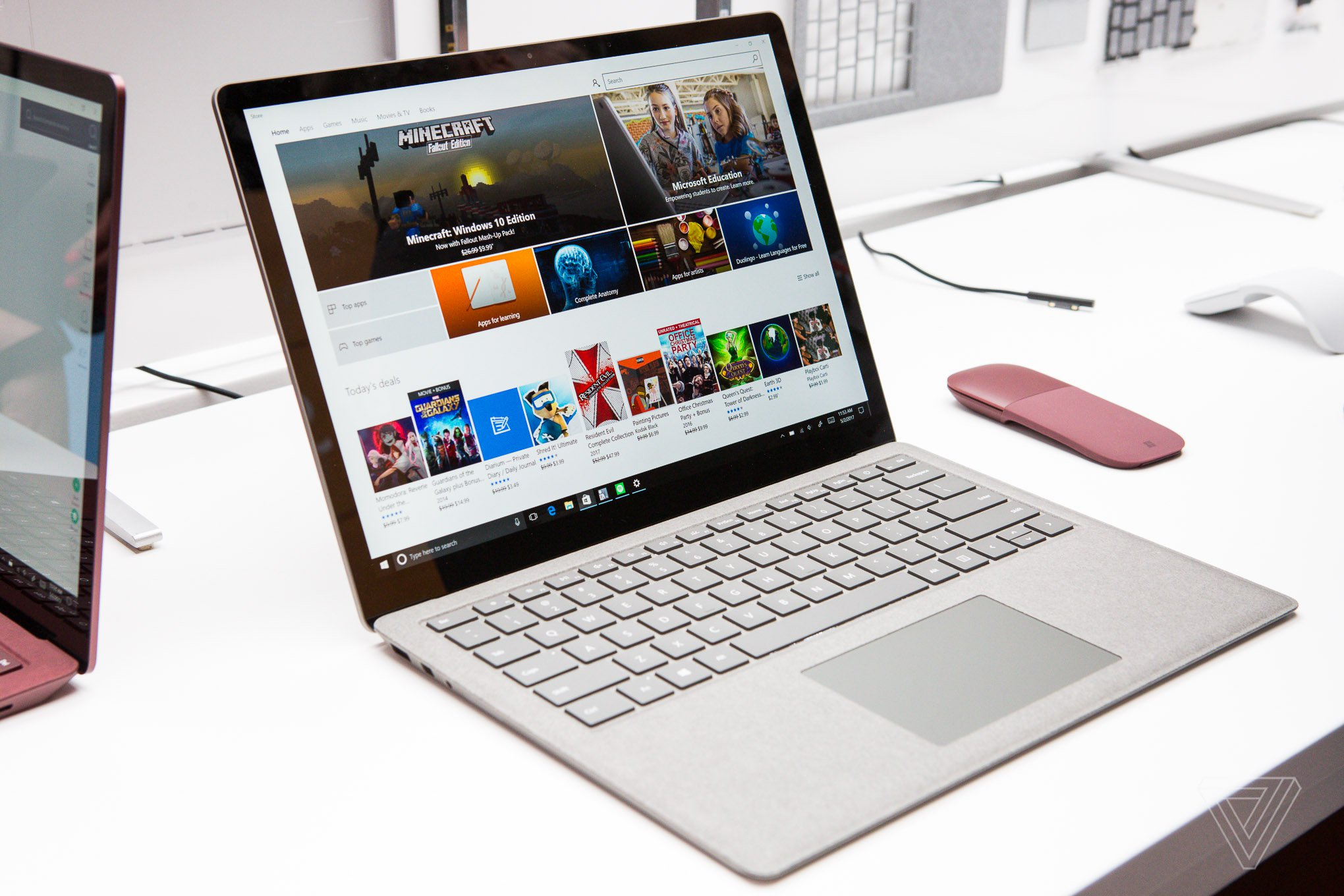 """Microsoft Surface 3 New Microsoft Surface """"A Shocker"""" """"Full Of Glue"""" Claims, 0 10 For Repairability"""
