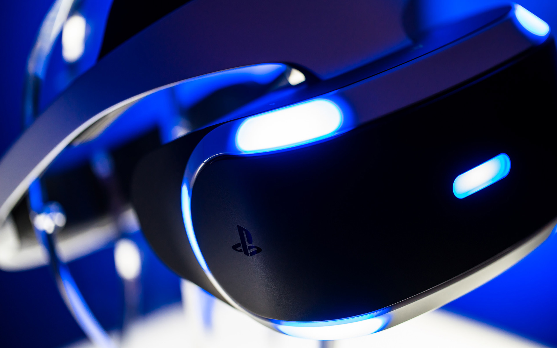 psvr.0.0 Virtual Reality Explained: Dedicated Headsets
