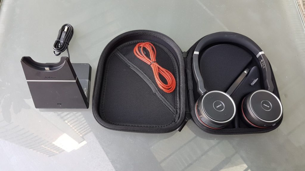 20170519 100716 1024x576 REVIEW: Noise Cancelling Jabra Evolve Headphones, Designed For Constant Office Chat