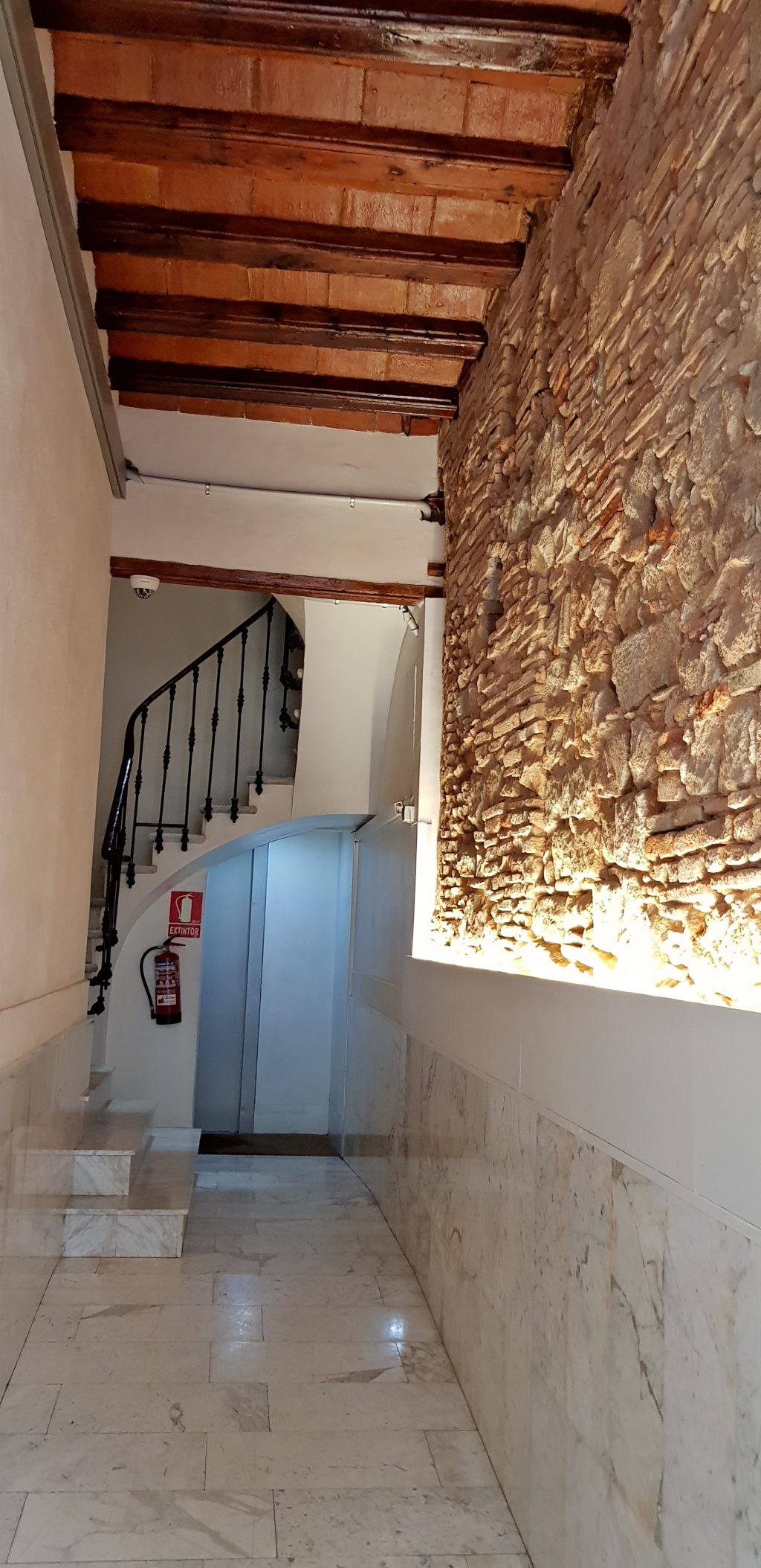 20170909 122448 e1505038396897 1024x2107 Barcelona: Street Apartments Rip Off Dont Get Conned
