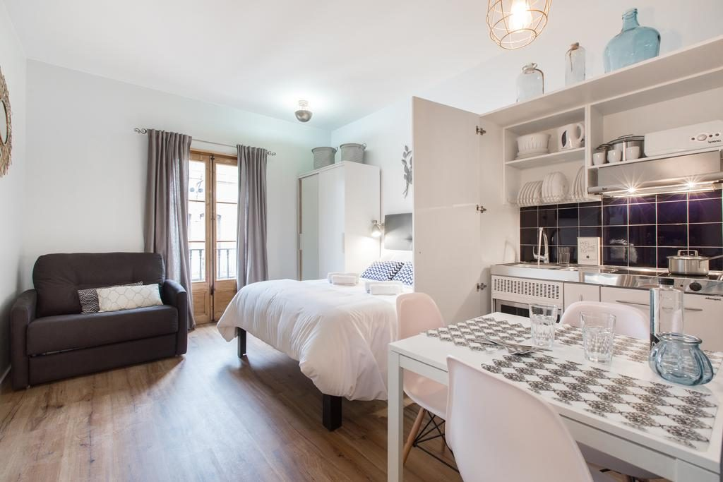 56913270 1024x683 Barcelona: Street Apartments Rip Off Dont Get Conned