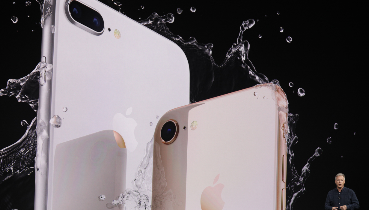 Apple iPhone 4 New Apple iPhone X Is Lacking, When Compared To Samsung Note 8 Claim Observers