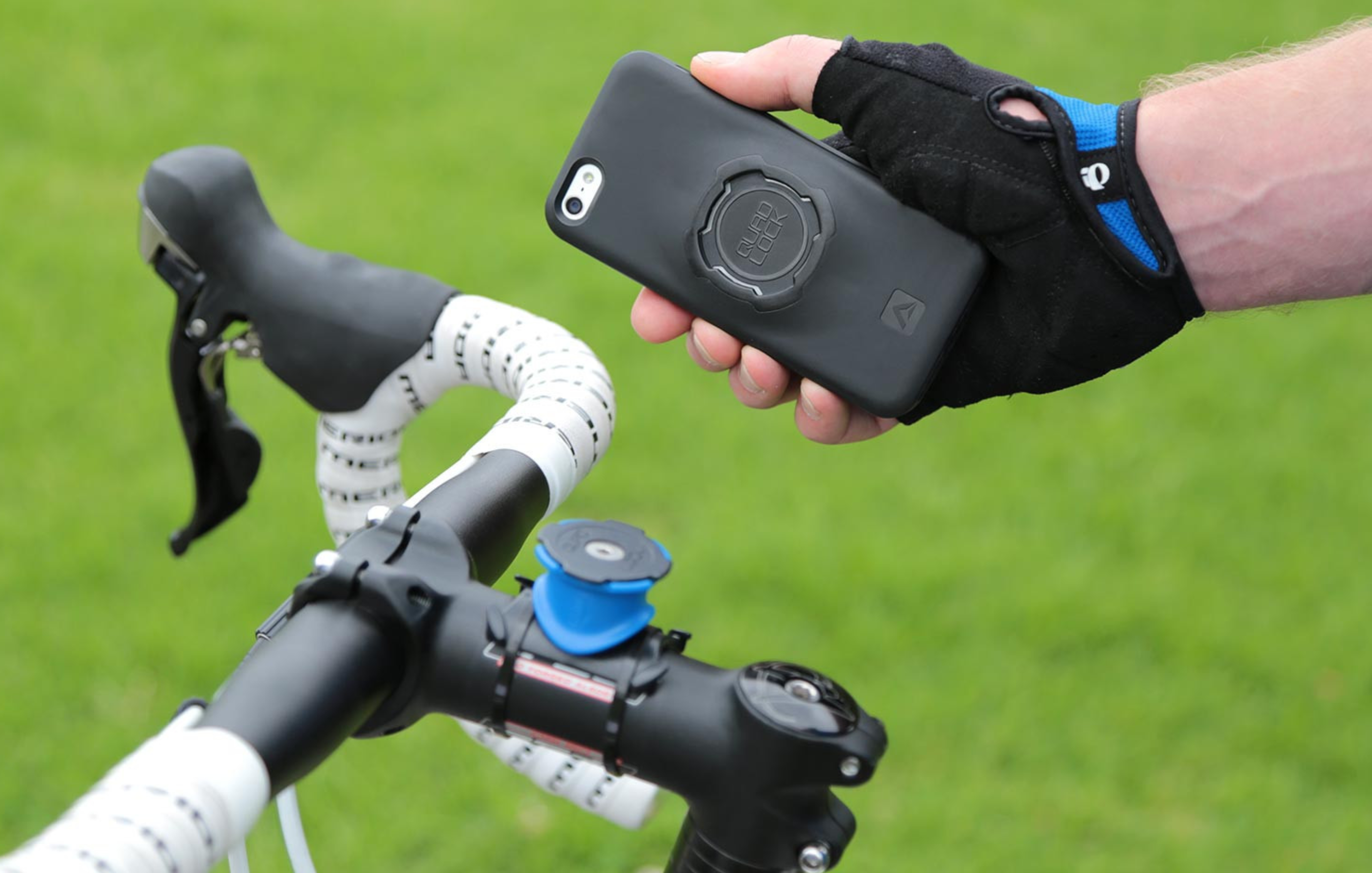 new product 74426 f4151 REVIEW: Quad Lock's iPhone X Bike Mount Offers A Worry-Free Ride ...