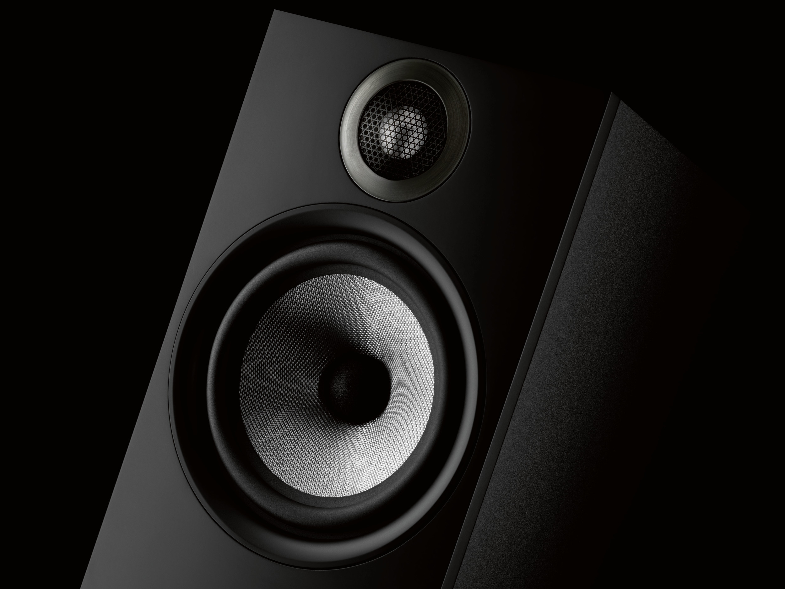 High 606 Black Black Background Beauty New Bowers and Wilkins 600 Series Speakers Set To Ignite Sound Market