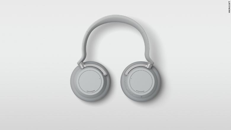 181002131354 01 microsoft surface computers headphones 780x439 Microsoft Takes On Bose With New Surface Headphones
