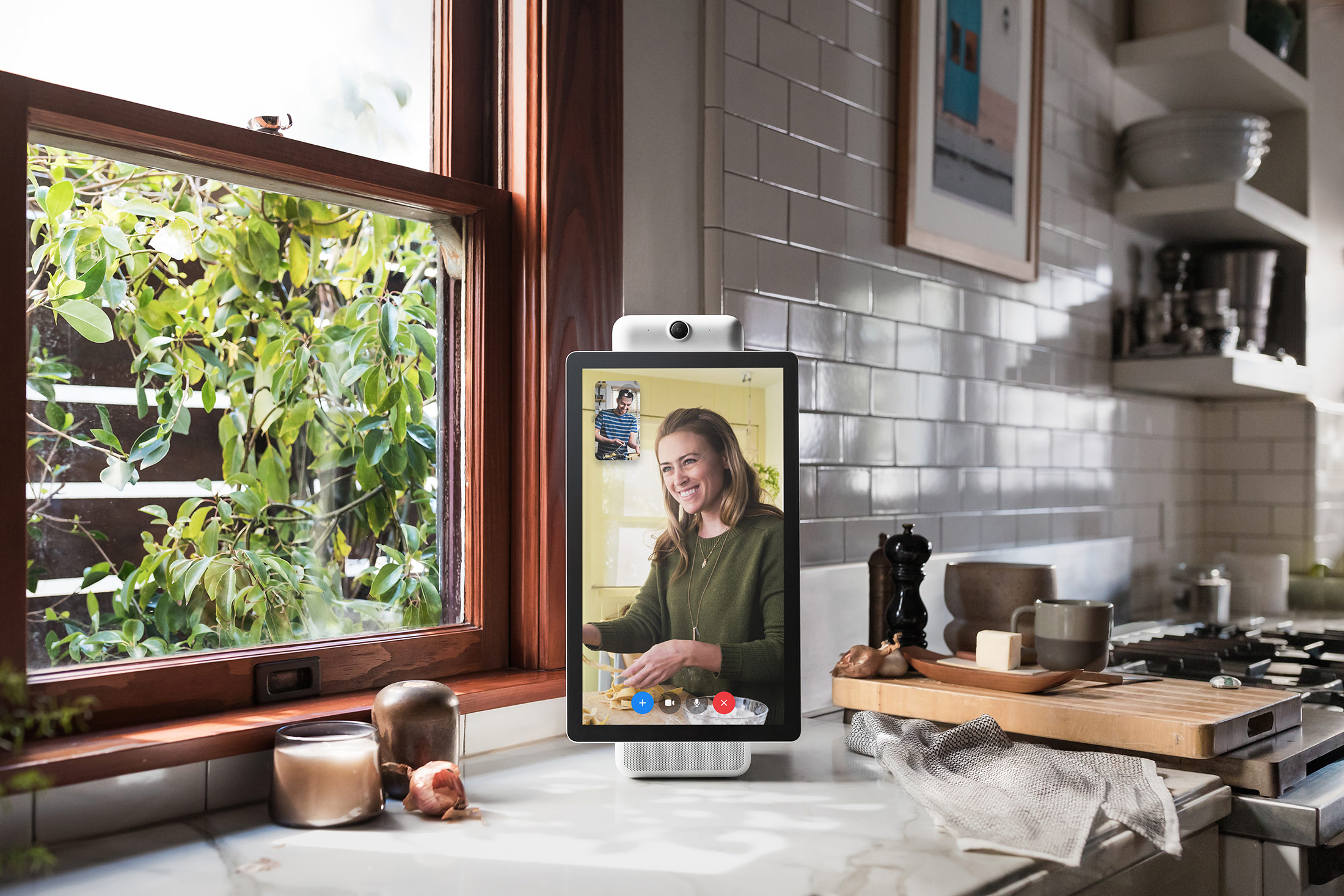 1x 1 Facebook Enters Smart Home Space with Portal Devices