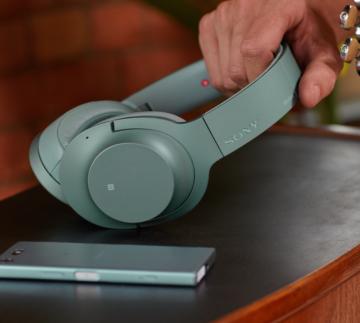 hear on 2 360x323 Top Ten Premium Headphones Over $350