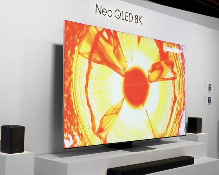 Samsung NeoQLED REVIEW: Mini LED, New Sound System Samsung QLED TV Has It All